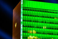 Zielonego budynku wysocy okno Fotografia Stock