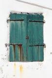 Zielonego grunge drewniana żaluzja obraz stock
