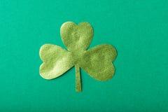 Zielonego papieru koniczyna Zdjęcie Royalty Free
