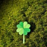 Zielonego papieru origami shamrock fałdowa koniczyna Fotografia Royalty Free