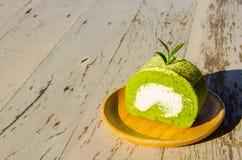 Zielonej Herbaty rolka na drewnie aTable Obraz Royalty Free