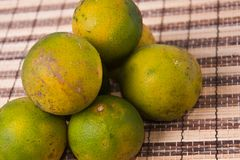 Zielony świeży pomarańczowy przygotowywający jeść Zdjęcie Stock