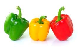 Zielony żółty czerwony pieprz na białym tle Obraz Stock