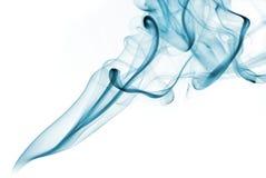Zielony abstrakta dym od aromatycznych kijów na białym tle fotografia stock