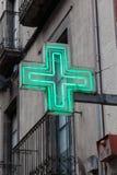 Zielony apteka znak Zdjęcia Royalty Free