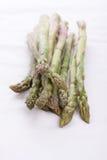 Zielony asparagus na białej pielusze Obrazy Stock