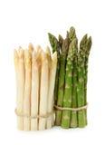 zielony asparagusa biel Zdjęcia Royalty Free