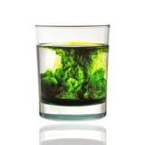 Zielony atrament w wodzie Fotografia Royalty Free