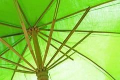 Zielony bambusowy parasol Zdjęcia Stock