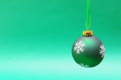 zielony bauble obwieszenie Fotografia Stock