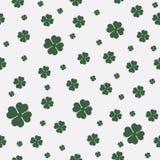 Zielony bezszwowy wzór z cztery i drzewne liść koniczyny dla świętego Patrick ` s dnia royalty ilustracja