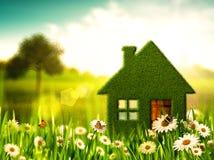 Zielony dom. Zdjęcie Royalty Free