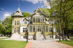 zielony dom Lodz drewniany Obraz Stock