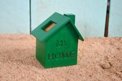 Zielony dom na plaży Zdjęcie Stock