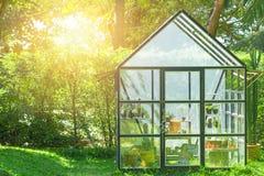 Zielony dom w domu ogródzie Fotografia Stock
