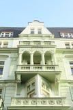 Zielony dom z balkonami Obraz Royalty Free
