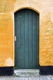 Zielony drewniany drzwi Zdjęcie Stock