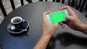 Zielony ekran przeglądać, powiększanie fotografie Obrazy Royalty Free