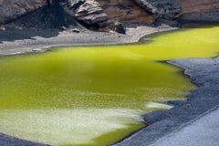 Zielony El jezioro lub laguna Golfo, Lanzarote Zdjęcie Stock