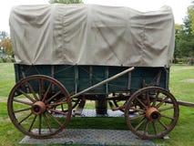 Zielony i brąz stagecoach na obraz stock