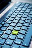 Zielony info guzik na komputerowej klawiaturze Fotografia Royalty Free