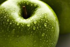 Zielony jabłczany makro- w selekcyjnej ostrości Zdjęcia Stock