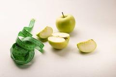 Zielony jab?czany zdrowy jedzenie dla ci??ar straty obraz royalty free
