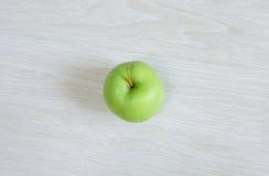 Zielony jabłko, odgórny widok Zdjęcia Stock