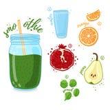 Zielony koktajl dla zdrowego życia Smoothies z bonkretą, granatowem, pomarańcze i szpinakiem, Przepisu jarosz organicznie Obrazy Royalty Free