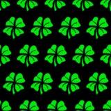 Zielony koniczynowy bezszwowy deseniowy tło Obrazy Royalty Free