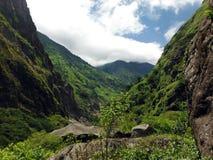Zielony krajobraz Niski Annapurna pasmo Fotografia Stock