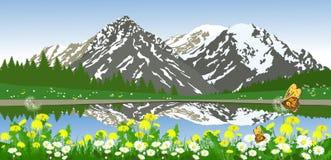 Zielony lato krajobraz z górami, stokrotkami i drzewami, Fotografia Royalty Free