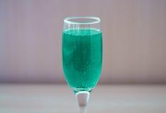 Zielony napój w szkle Obrazy Royalty Free