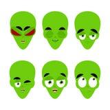 Zielony obcy emoji Emocja set Agresywna i dobra UFO twarz Su ilustracji
