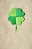 Zielony origami papieru shamrock koniczyny liść Zdjęcia Stock