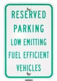 zielony parking rezerwujący szyldowy pojazd Zdjęcie Royalty Free
