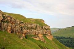 Zielony pasmo górskie krajobraz w lecie Zdjęcia Stock