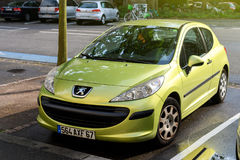 Zielony Peugeot 206 Zdjęcia Stock
