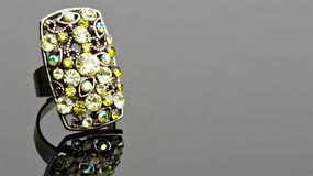 zielony pierścionek fotografia stock