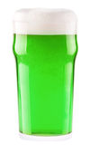 Zielony piwo odizolowywający na bielu Zdjęcie Stock