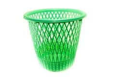 Zielony plastikowy basketon bielu tło Zdjęcie Royalty Free