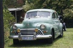 Zielony rocznika Oldsmobile samochód Wystawiający przy przedstawieniem Fotografia Royalty Free