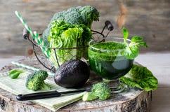 Zielony smoothie z avocado i brokułami horyzontalnymi Zdjęcia Stock