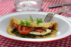Zielony szparagowy omlet zdjęcie royalty free