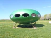 Zielony UFO Obcy Latający spodeczek obraz royalty free