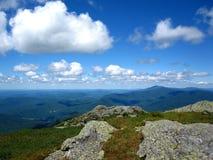Zielony widok górski od wielbłąda garbu lata Fotografia Royalty Free
