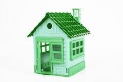 Zielony zabawka dom na białym tle Pracowniana fotografia Śliczny mini dom Fotografia Royalty Free
