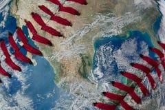 Ziemia jako baseball piłka Zdjęcia Royalty Free
