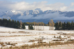 Ziemia uprawna z zima śniegiem Zdjęcie Royalty Free