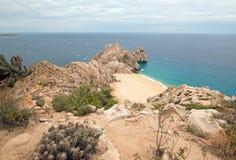 Ziemie Kończą plażę widzieć od wierzchołka Mt Solmar w Cabo San Lucas Baj Meksyk i Rozwodzą się jak zdjęcia royalty free